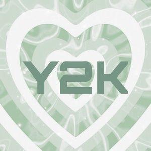 Y2K styles below👇